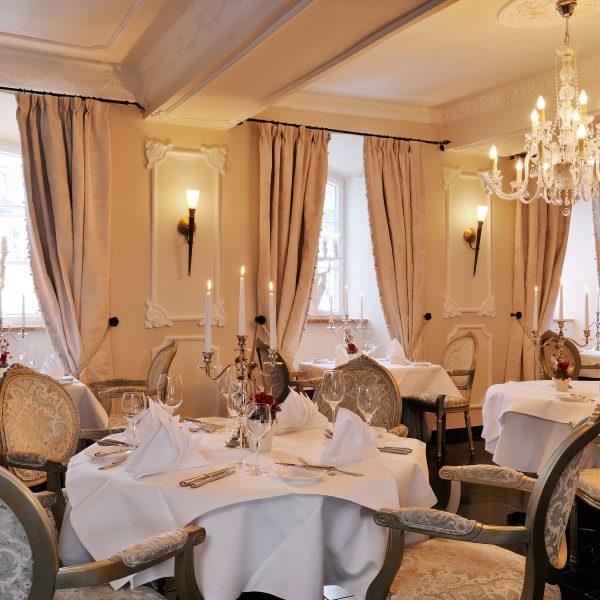 Romantisches Restaurant - Burghaus & Villa Kronenburg