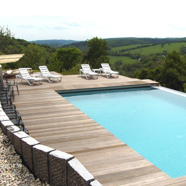 Pool Wellness Ausblick - Burghaus & Villa Kronenburg