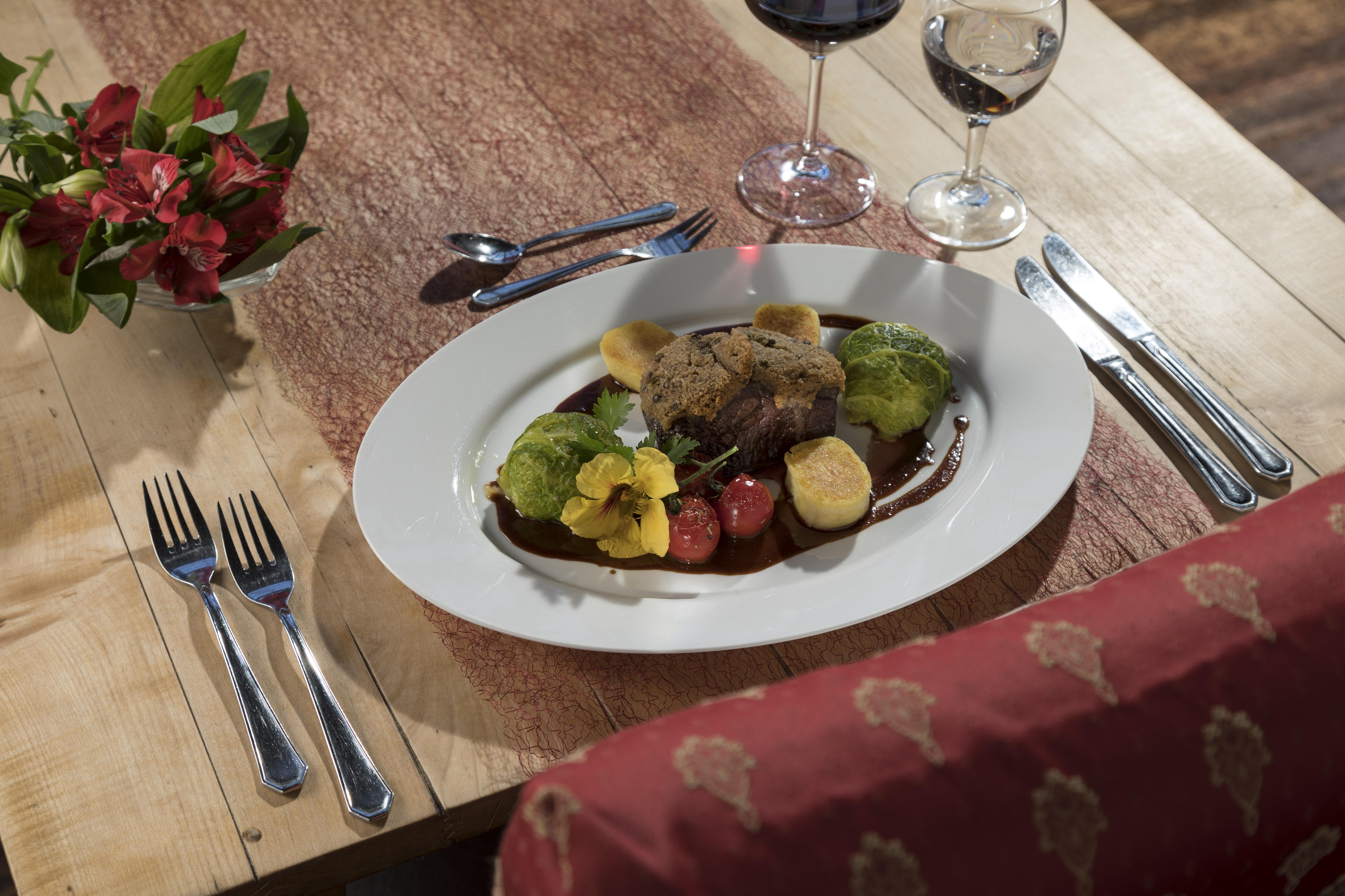 gastronomie burghaus villa kronenburg. Black Bedroom Furniture Sets. Home Design Ideas